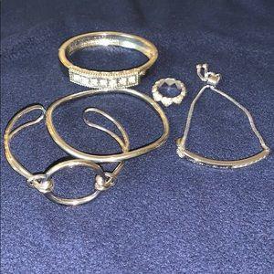 Lot of silver fashion jewelry